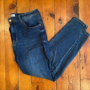 Kensie High Waisted Cropped Jeans